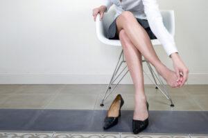 デスクワーク 冷え性 脚のむくみ